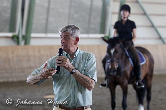 Eversti Christian Carde opettaa Ruukin maaseutuopistolla kesäkuu 2013