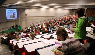 Yleisö luennolla